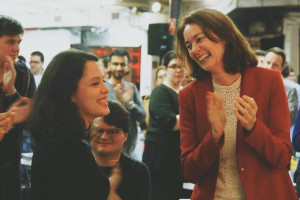 Delara Burkhardt mit Katarina Barley